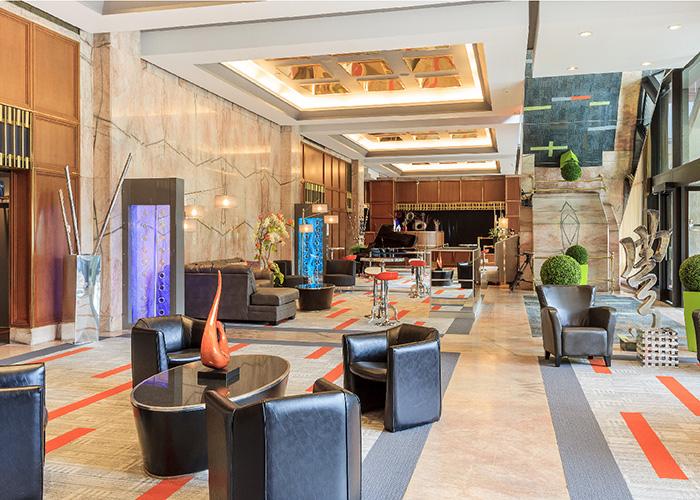 Hotel Loews Le Concorde Quebec Canada Lobby