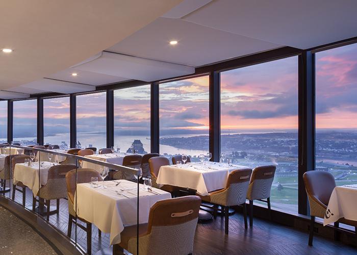 Hotel Loews Le Concorde Quebec Canada Restaurant