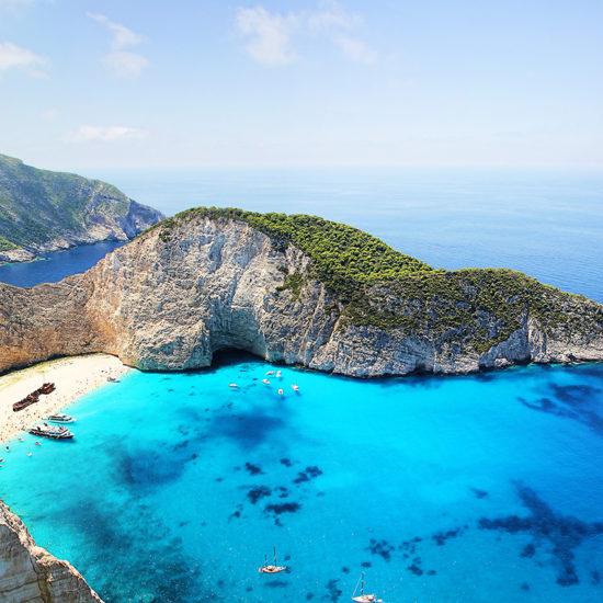 vista de pajaro de la bahia de la playa vista de la bahia de la playa Islas Griegas