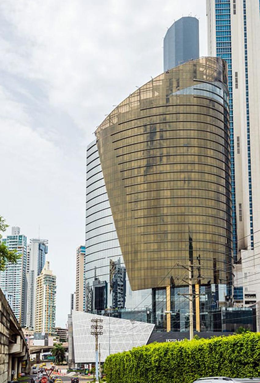 Hotel las americas golden tower Vista
