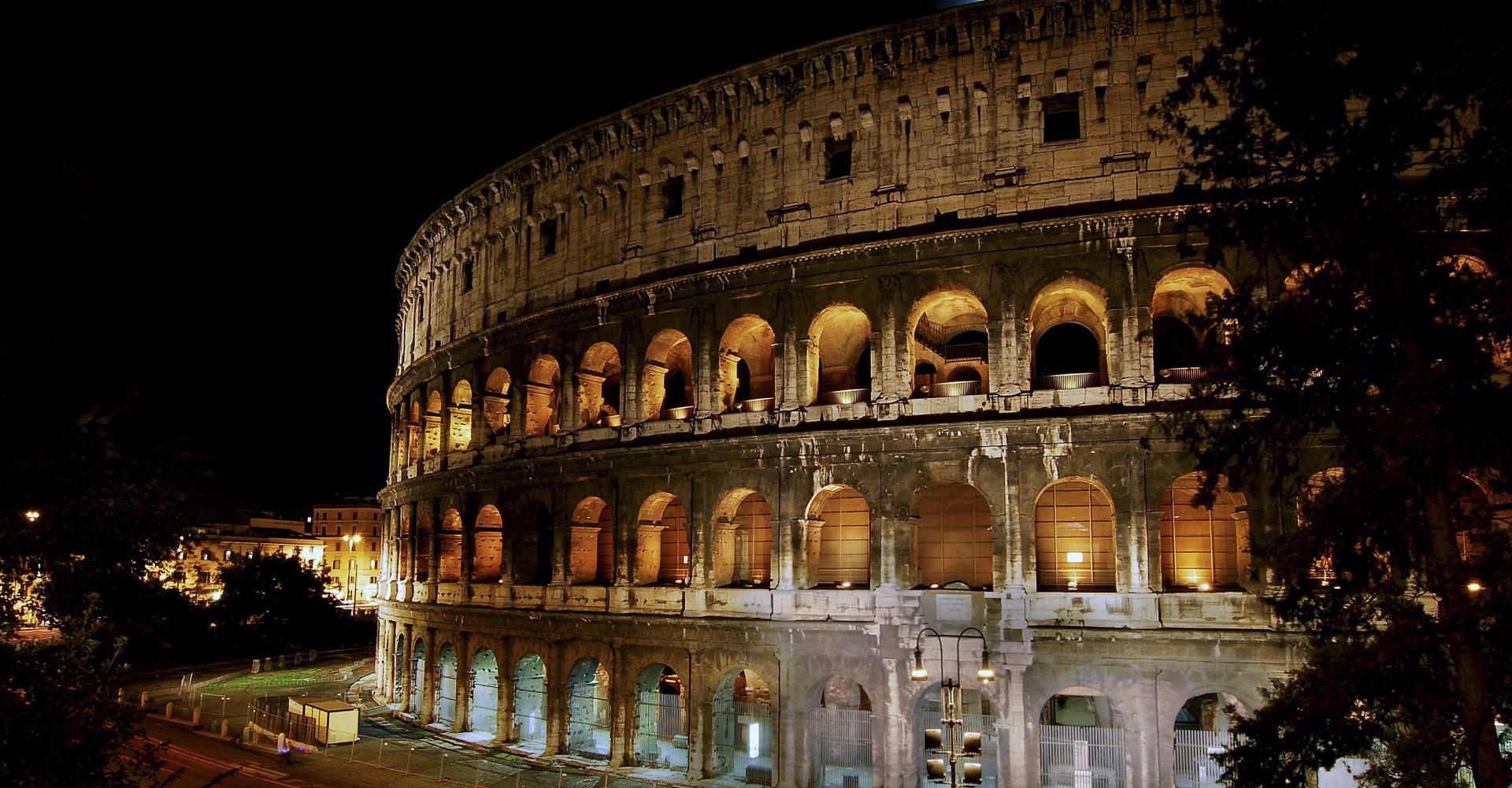 Anfiteatro en Roma Italia