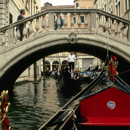 Paseo en gondola por Venecia Italia