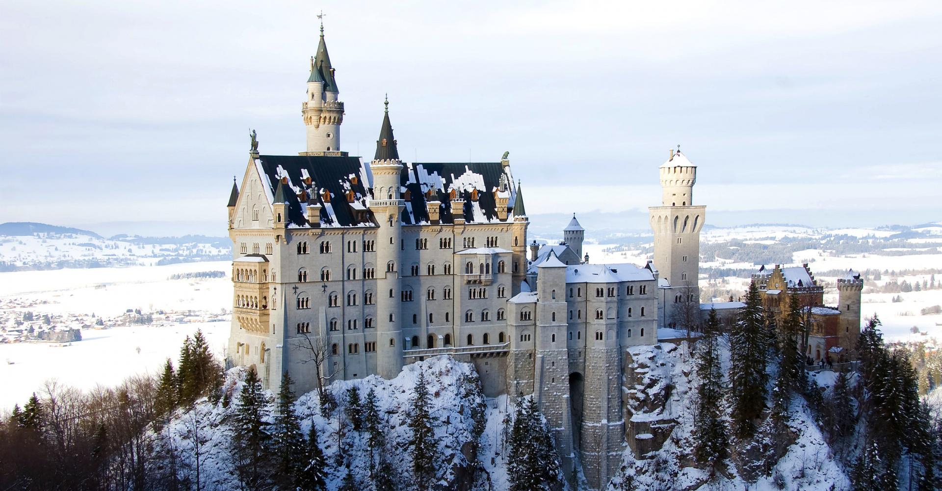 El castillo de Neuschwanstein en Alemania en invierno