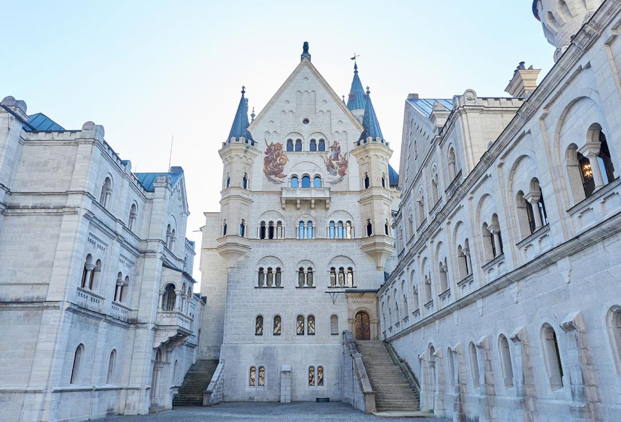 Patio interior del Castillo de Neuschwanstein Alemania