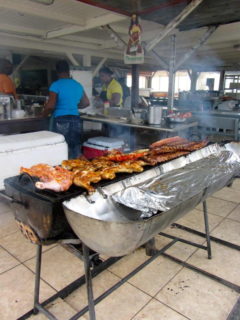 Parrilla de lolo, en el lado frances de la isla de St Maarten