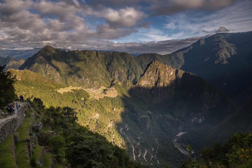 Machu Picchu amanecer intipunku