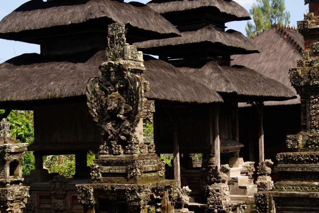 Taman Ayun Mandala escultura