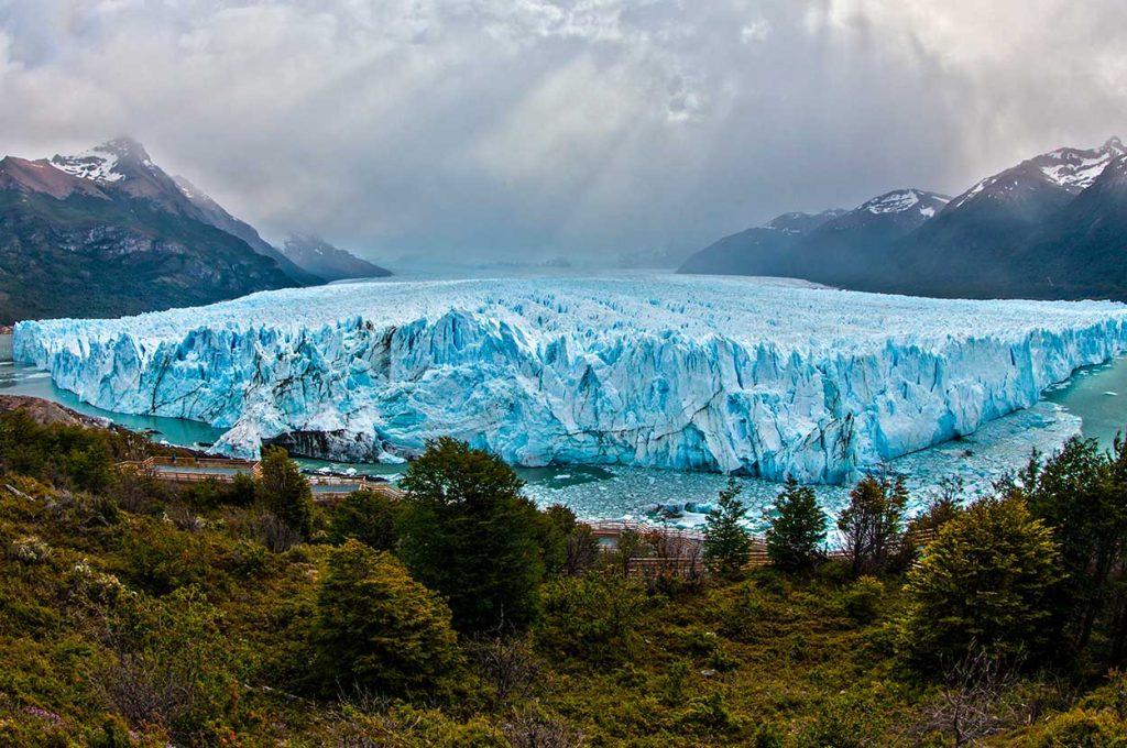 Vista Panoramica del Glaciar Perito Moreno Argentina